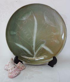 Raymond Everett Sgrafitto Flower Plate Vintage Rye Sussex Studio Pottery