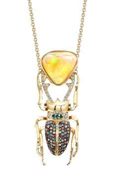 Ra Necklace diseñado por la mexicana Daniela Villegas. El nombre 'Ra' representa el nombre del Dios del Sol en el Antiguo Egipto, el padre d...