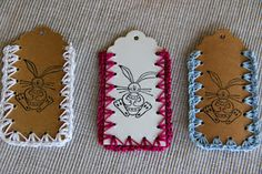 crochet tags from Melanie @ http://www.knusperzwergundfeenstaub.ch