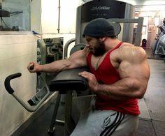 Dr. Wannabe - thick-sexy-muscle: Lorenzo Becker