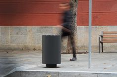 Cilar litter bin in Girona center. Design by German Rubio. Durbanis.