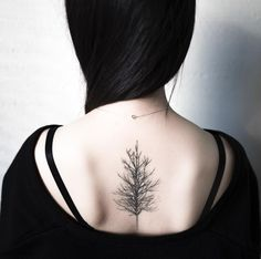 Tree tattoo on back by Hongdam