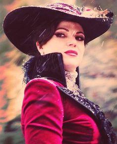 #LanaParrilla #EvilQueen #EvilRegals
