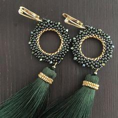 137 Likes 5 Kommentare Galina ( Beaded earrings Tassel Jewelry, Bead Jewellery, Wire Jewelry, Jewelery, Seed Bead Earrings, Beaded Earrings, Beaded Jewelry Designs, Handmade Jewelry, Fashion Earrings