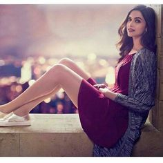 Looking for this maroon dress that Deepika Padukone is wearing - 28062 - SeenIt Deepika Padukone, Bollywood Stars, Bollywood Fashion, Bollywood Celebrities, Bollywood Actress, Expressions Photography, Maroon Dress, You Look Like, Celebrity Look