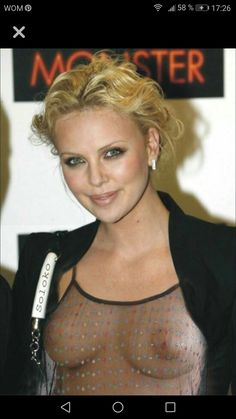 Charlize Theron, Cinema Tv, Stars Nues, Famous Models, Thing 1, Nude Photography, Classic Beauty, Pretty Woman, Gorgeous Women