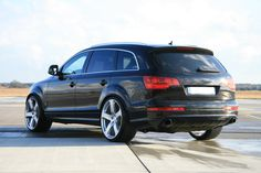 Audi Q7.  I'm going to get myself one of these.  One day.