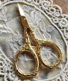 ミニチュアサイズのハサミ エリザベス1世 手芸が楽しくなる素敵なハサミ 手芸 糸切り 刺繍 鋏