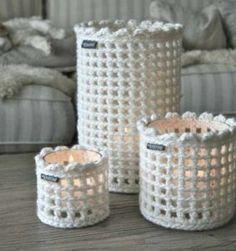 Reciclar decorando tarritos Crochet Stitches, Crochet Patterns, Crochet Wreath, Vintage Crockery, Shabby, Elsa, Crafts, Ideas, Baby Knits