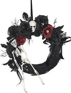 Door Wreath Skeleton - CostumePub.com Gothic Halloween, Spirit Halloween, Halloween Diy, Halloween Door Wreaths, Scary Halloween Decorations, Gothic Horror, Black And Red Roses, Black Cat Silhouette, Feather Wreath