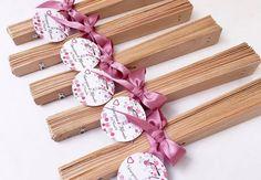 abanicos de madera boda xv años bautizo baby shower