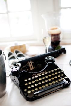 This vintage Corona...is magnificent...type snail mail on it....you'll love the reaction you get!...machine à écrire