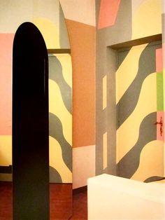 Alessandro Guerriero's appartement  in Milan. MONDOBLOGO: eighties interiors