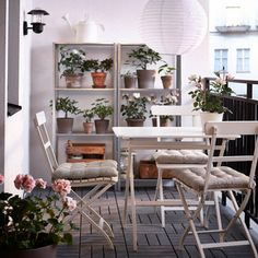 Metal table and chairs | Balcony Ideas | Decorating Ideas | Interiors | redonline.co.uk