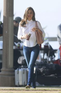 Miranda Kerr discovered by Ivy on We Heart It Jean Outfits, Casual Outfits, Miranda Kerr Style, Vs Models, Spring Street Style, Girl Fashion, Womens Fashion, Most Beautiful Women, Autumn Winter Fashion