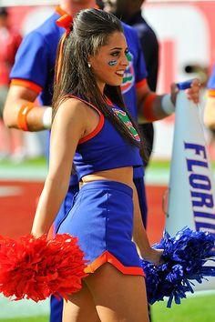 20 Amazing College Football Cheerleaders: Midseason Round-up Cheerleading Cheers, College Cheerleading, Cheerleading Uniforms, Cheer Stunts, Cheer Dance, College Football, Softball Senior Pictures, Cheerleading Pictures, Cheer Pictures