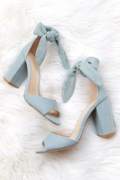 A light denim chunky heel with a peep toe, and tie at the ankle. Oxford Shoes Heels, Bow Heels, Women Oxford Shoes, Lace Up Heels, Shoe Boots, Ankle Shoes, Ankle Strap Heels, Black Prom Heels, Suede Heels