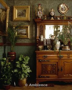Arts and Crafts dresser in Edwardian dining room with houseplants and patterned green wallpaper Victorian Rooms, Victorian Home Decor, Victorian Interiors, Victorian Houses, Interior Inspiration, Room Inspiration, Warm Home Decor, English Decor, Vintage Room