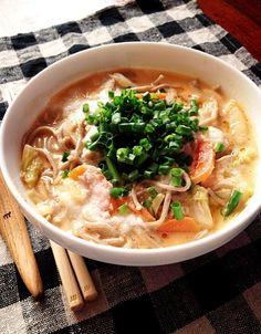 上から山芋トロロをかけると、麺にスープがよく絡まって美味しいんです - 16件のもぐもぐ - お蕎麦で担々麺風 by mitsukof