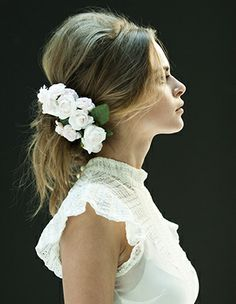 Chic Vintage Floral Hair Do