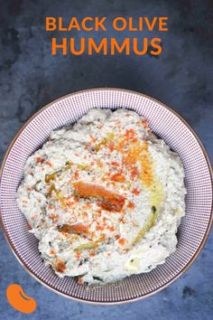 Wondering what to do with that random can of black olives in the back of your pantry? Turn them into a creamy and tangy black olive hummus. Gourmet Appetizers, Appetizer Recipes, Snack Recipes, Dip Recipes, Vegetarian Recipes, Chickpea Recipes, Healthy Recipes, Healthy Meals, Healthy Food