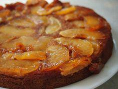 Gâteau renversé à la farine de châtaigne et aux pommes.  Caramel au miel de châtaignier.
