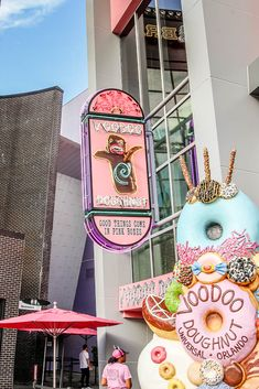 Where to eat at Universal Orlando CityWalk voodoo donuts