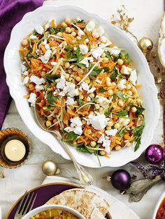Zesty and full of contrasting textures and fresh ingredients, our easy recipe for carrot salad with chickpeas and lemon is ready in just 15 minutes.