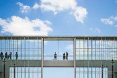 Kasai Rinkai Park, Rest House (葛西臨海公園 レストハウス). Architect : Yoshio Taniguchi (設計:谷口吉生) Contractor : TOA Corporation (施工:東亜建設、中里建設JV).* Completed : 1995 (竣工:1995年). Structured :  (構造:). Height : 36ft (高さ:11m). Floor : 3rd (階数:3階). Floor area :  (延床面積:㎡). Location : (所在地:日本国東京都江戸川区臨海町6の葛西臨海公園内). Referenced : archirecords.blog.fc2.com/blog-entry-60.html blogs.yahoo.co.jp/wattojunkyard/7316929.html  * mark is vague info. ---- Have you ever seen such a pure geometric architecture? This is…