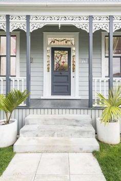 37 ideas for blue grey front door colors white trim Exterior Gris, Exterior Color Schemes, House Color Schemes, Exterior Paint Colors, Exterior House Colors, Colour Schemes, Paint Colours, Grey House Exteriors, Modern Exterior