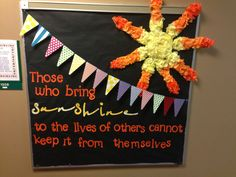 Summer bulletin board....love the flag pendant..great border idea