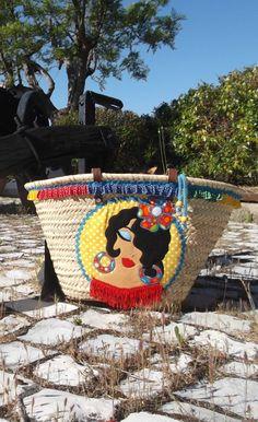 """Capazo flamenco modelo """"Canastero"""", a la venta en www.tiendacalafina.com  #capazos #capazosdecorados #capazosplaya"""