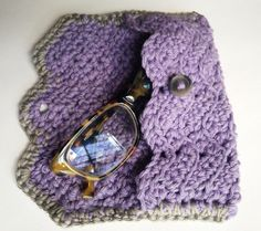 Free Crochet Pattern Eyeglass Case : 1000+ images about Cellphone cover/cozy on Pinterest ...