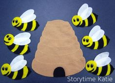 Love all the rhyme/song ideas to go along with a felt board! I watched a preschool teacher doing these with her kids and they were so into it. Oh the possibilities...