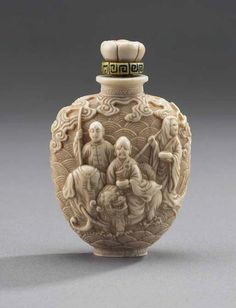 Ivory Snuff Bottle with carved Daoists, elephant and foo dog, 1736–1795 The Thomson Collection © Art Gallery of Ontario