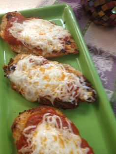 Healthy Baked Chicken Parmesan- Tried tonight- Teagan LOVED this- served over spagetti (just like the restaurant) Can't wait to make it when I can eat it!
