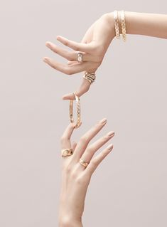 5 Tips On How To Take Better Digital Jewelry Photography Hand Photography, Jewelry Photography, Beauty Photography, Photography Projects, Jewelry Model, Photo Jewelry, Fashion Jewelry, Hand Jewelry, Gemstone Jewelry