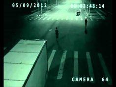 Teleporte na China: ciclista é salvo de atropelamento por herói misterioso! | O TRECO CERTO