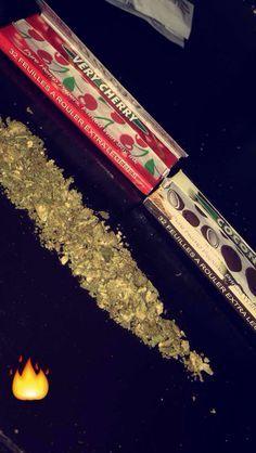 Buy Weed Online - Weed for Sale-Order Weed Online Usa Buy Cannabis Online, Buy Weed Online, Rauch Fotografie, Weed Shop, Weed Girls, Cannabis Oil, Cannabis Edibles, Stoner Girl, Smoking Weed