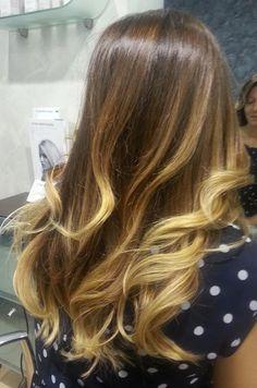Snapped..in salone! Bionde ma con stile...la differenza la fai tu. Scegli il Degradé Joelle in uno dei nostri CDJ www.degradejoelle... #cdj #degradejoelle #passioneperidettagli #welovecdj #blonde #hair