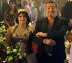 Nessa-From Gavin and Stacy-Hilarious find on catch up Ruth Jones, Gavin And Stacey, Costume Halloween, Here Comes The Bride, Movies And Tv Shows, Squad, Nerdy, Movie Tv