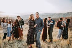 Extended Family Pictures, Summer Family Pictures, Large Family Photos, Outdoor Family Photos, Fall Family Photos, Group Family Pictures, Christmas Pictures, Family Shoot, Family Posing