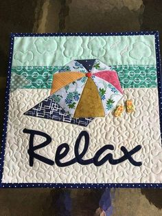 Start Out Your Very Own Sewing Company Scne De Plage Matelass Tenture Murale Ocean Quilt, Beach Quilt, Applique Wall Hanging, Quilted Wall Hangings, Embroidery Designs, Quilting Designs, Mug Rug Patterns, Quilt Patterns, Patchwork Patterns