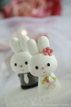Custom Wedding Cake Topper Handmade lovely  cute rabbit por kikuike, $130.00