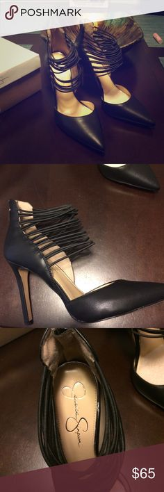 ❤️Brand new Jessica Simpson pump size 9.5❤️ Wow what a show stopper these are! Size 9.5 black with adjustable strap any sized foot could wear. Price firm Jessica Simpson Shoes Heels