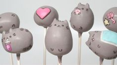 15 Pusheen Cakes And Bakes!