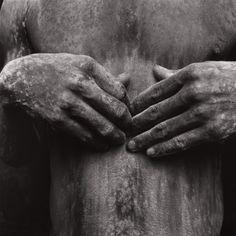 """mario cravo neto - """"torso negro com cal"""", 1988 (collection bolsa de arte de porto alegre)"""