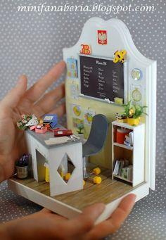 Miniaturowy Świat Lady Fanaberii: Bookend szkolny