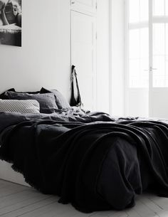 therese sennerholt bedroom / black and white