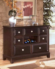 Cool Traditional Side Board Decor Featuring Sideboard Decor With ...